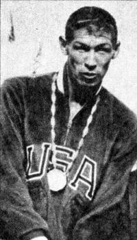 Гленн Дэвис с медалью