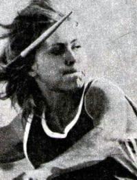 Копье в руках у победительницы П. Фельке