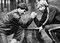 С первых дней в спорте Олег тренируется под руководством Вячеслава Николаевича Лихушина