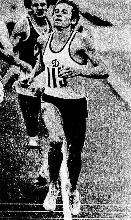 Василий Матвеев установил новый рекорд СССР в беге на 800 м — 1.44,25
