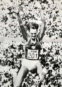 Восемнадцатилетняя чемпионка мира в прыжке в длину Хайке Дауте