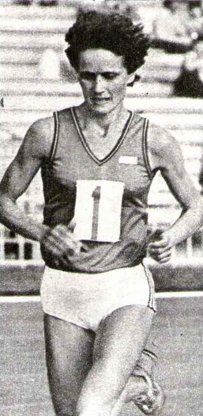 З. Иванова победила с новым рекордом страны — 2:31.11