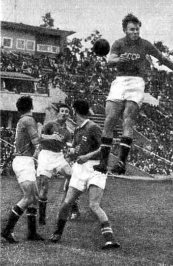 1955 год. На переднем плане Николай Паршин
