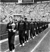 1960 год. Сборная СССР с Кубком Европы