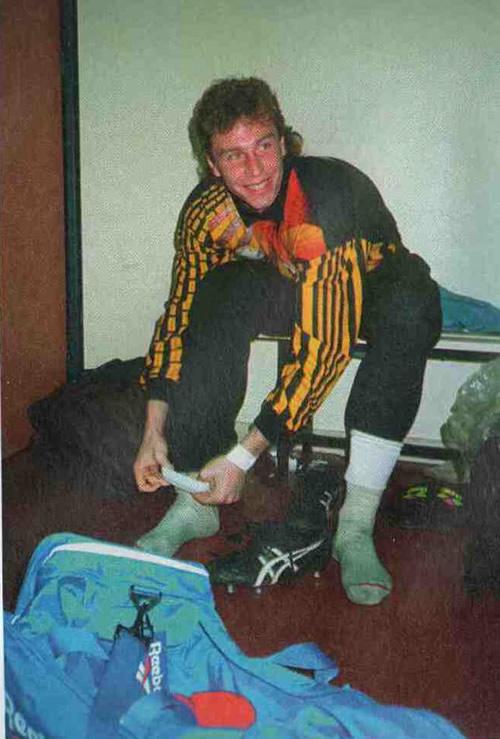 Дмитрий Харин в раздевалке