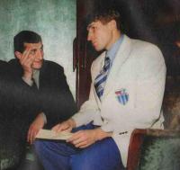 Олег Веретенников (справа)