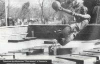 Памятник футболистам Пахтакора в Ташкенте