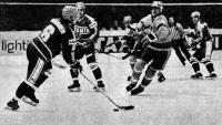 Финские хоккеисты отобрали шайбу у Кента Нильссона