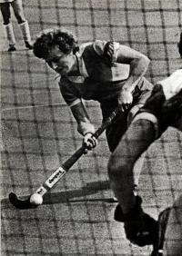 Капитан сборной СССР Натэлла Красникова признана одной из сильнейших хоккеисток Европы
