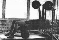 Владимир Константинов на занятиях в спортзале базы в Новогорске