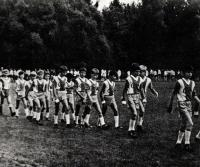 Парад юных футболистов, участников роэыгрыша приза Валентина Федорова в парке города Павловска