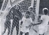 Радостные хлопоты на футбольной площадке