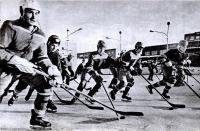 Юные хоккеисты в СДЮСШ шахтерского города Инта Коми АССР
